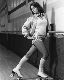 natalie-wood-on-rollerskates